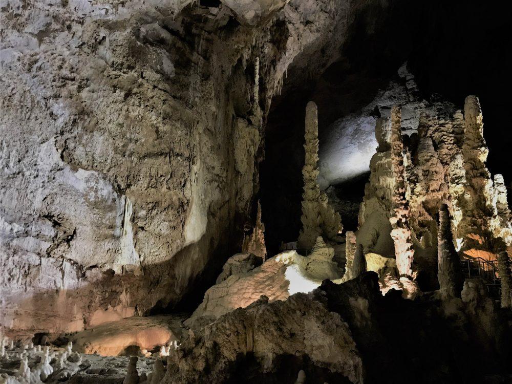 Marche-Grotte di Frasassi