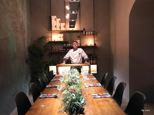 Markus Maurizio De Riggi il gran tavolo