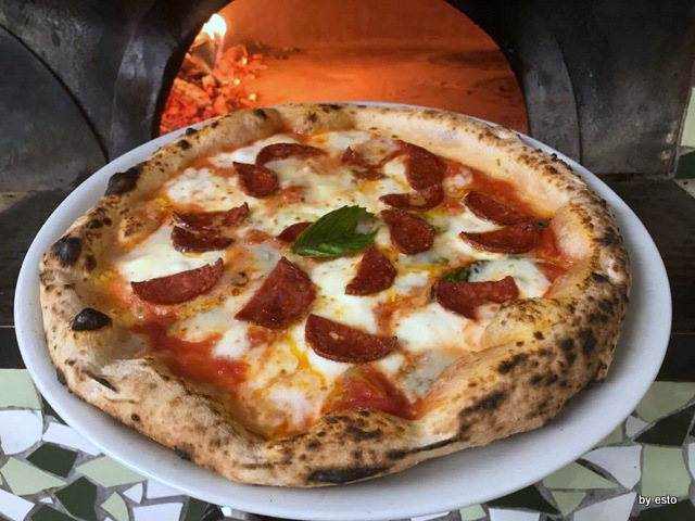 Pizz'Art diavola con salame piccante