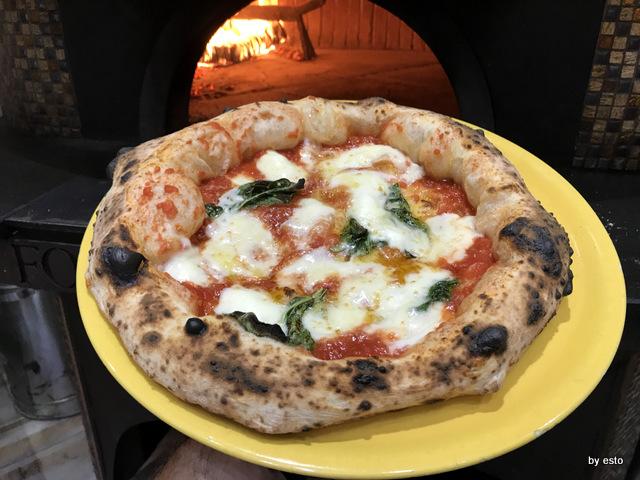 Pizzeria Gaetano Paolella Acerra Gaetano ed Emanuele la margherita