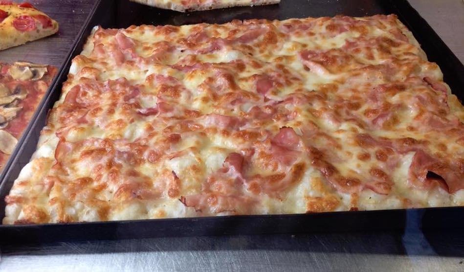 Pizzeria Italia, prosciutto e mozzarella