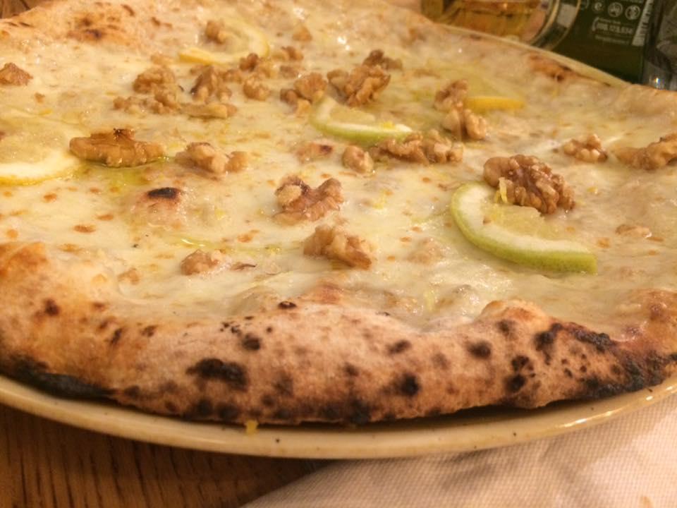 Pizzeria Vincenzo Mansi, con noci e limone