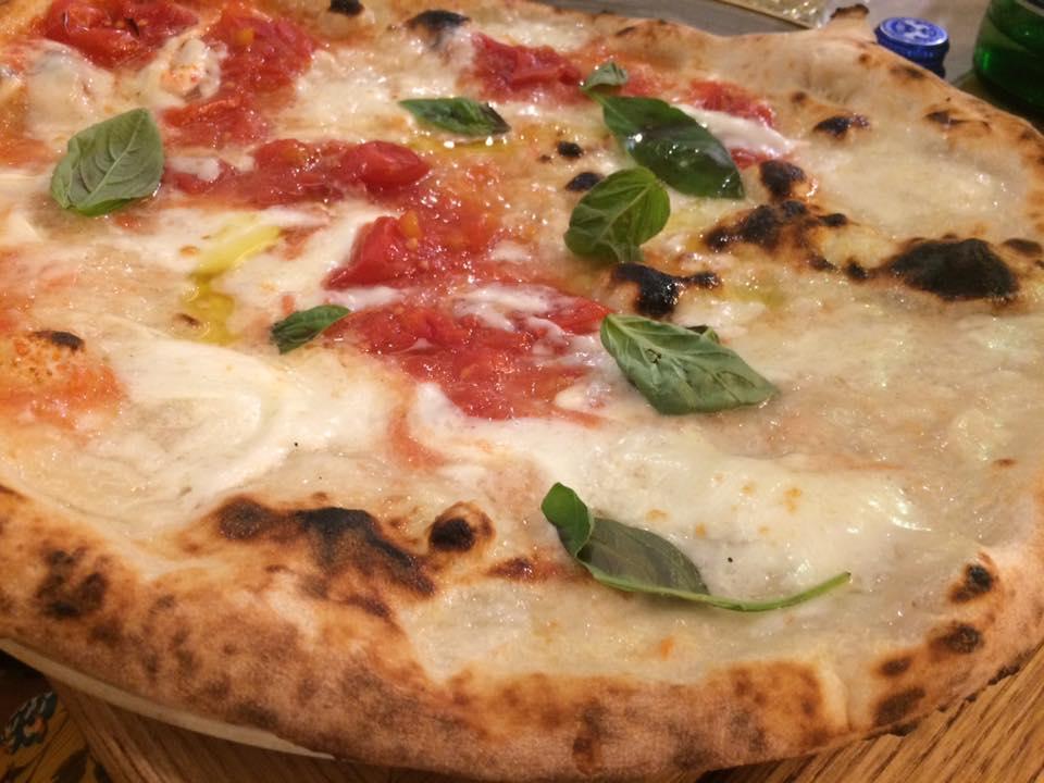 Pizzeria Vincenzo Mansi, la Regina DOC