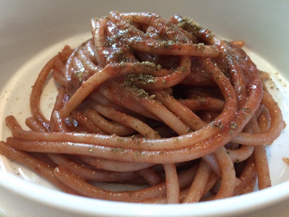 Tordomatto, spaghettone alla puttanesca