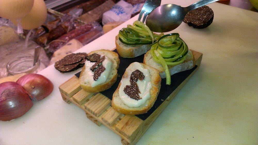 Ebrius – i crostini con gorgonzola, tartufo del Matese e zucchine dell'orto