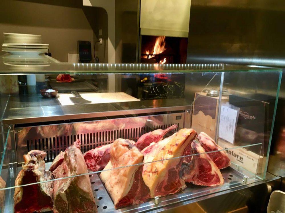 Ristorante Mamma Mia, Gli Interni & La Brace con Le Carni