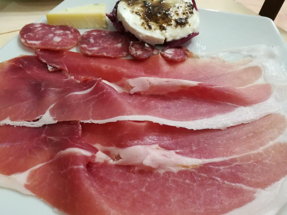 Agriturismo Montagne Verdi -Salumi e formaggi