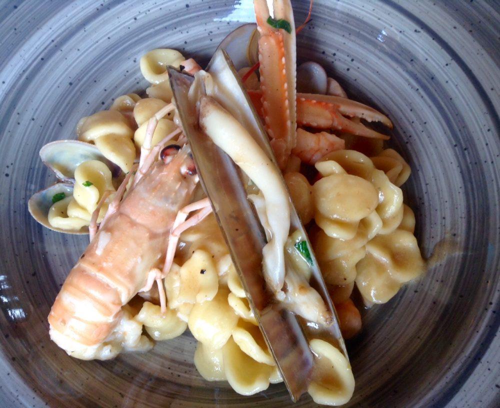 Al Vigneto, orecchiette di pasta fresca, mare e profumo di zenzero