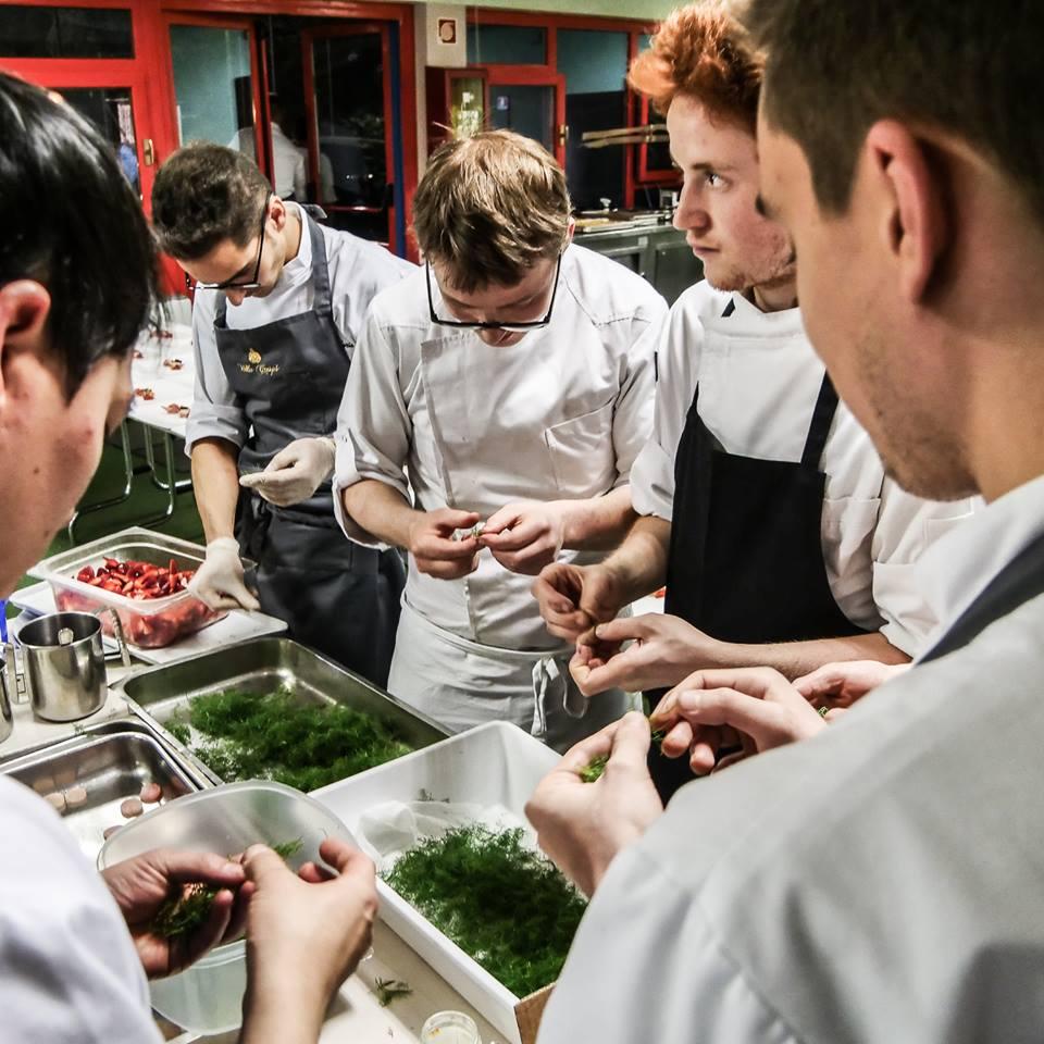 Cena de 'Le Stelle sul Lago d'Orta' - In cucina