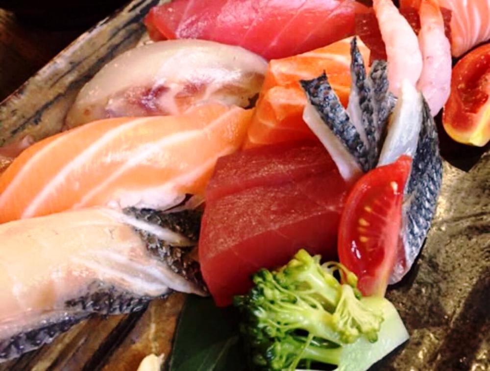 Sushiteca O-Ma-Ca'-Se' Sashimi Misto