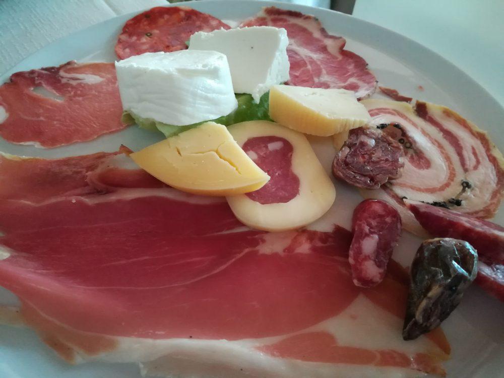 Locanda Belvedere -Salumi e formaggi