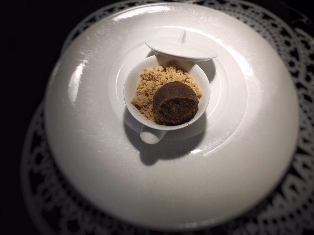 Pasha' - vellutata di mandorle tostate, granita di caffe', biscotto all'olio