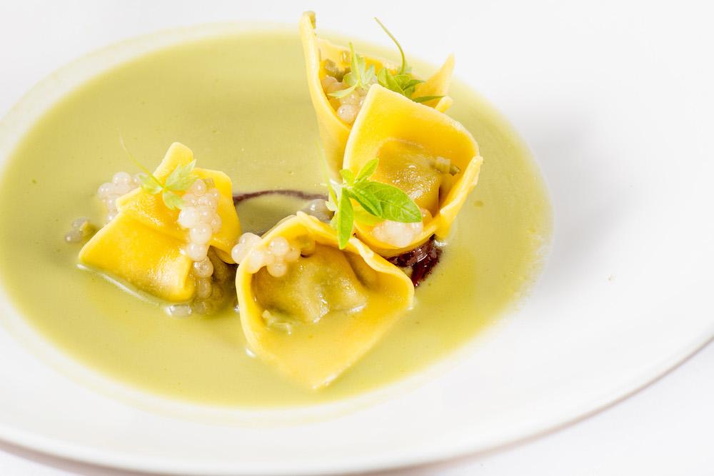 Recanati - Brodo di tenera ascolana, ravioli di tordo allo spiedo, pomodoro e limone