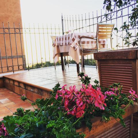 Trattoria Zaraza' -il balcone della Trattoria
