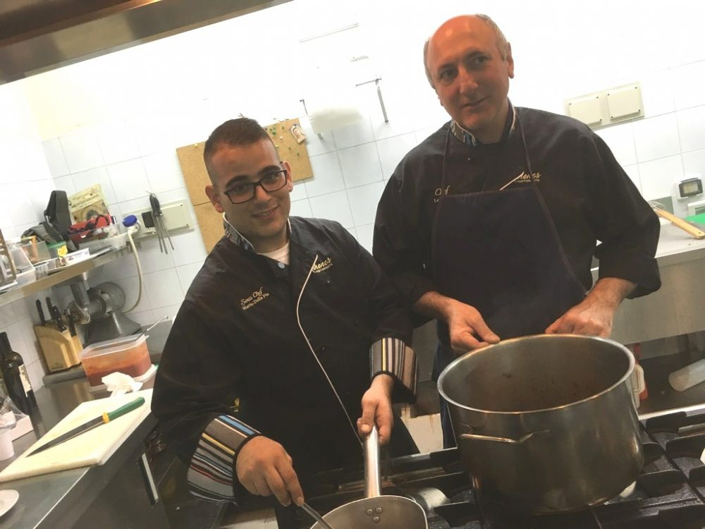 da dx lo chef Lello Ravo ed il suo secondo Mario Della Pia