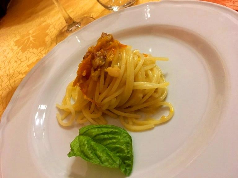 Spaghetti Vicidomini pomodorino giallo Marrazzo del Vesuvio e cotechino
