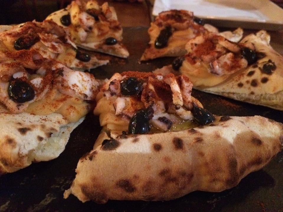 Bijou, la pizza con polpo alla gallega