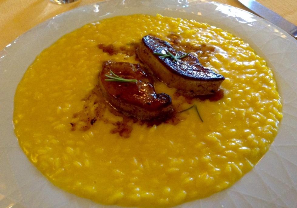 Buona Condotta, Ornago, risotto allo zafferano, con foie gras al profumo di rosmarino