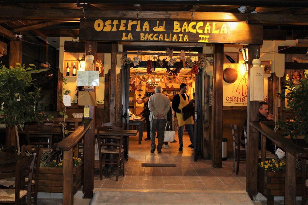 La Baccaliata III – Ingresso dell'Osteria del Baccala' a Latina
