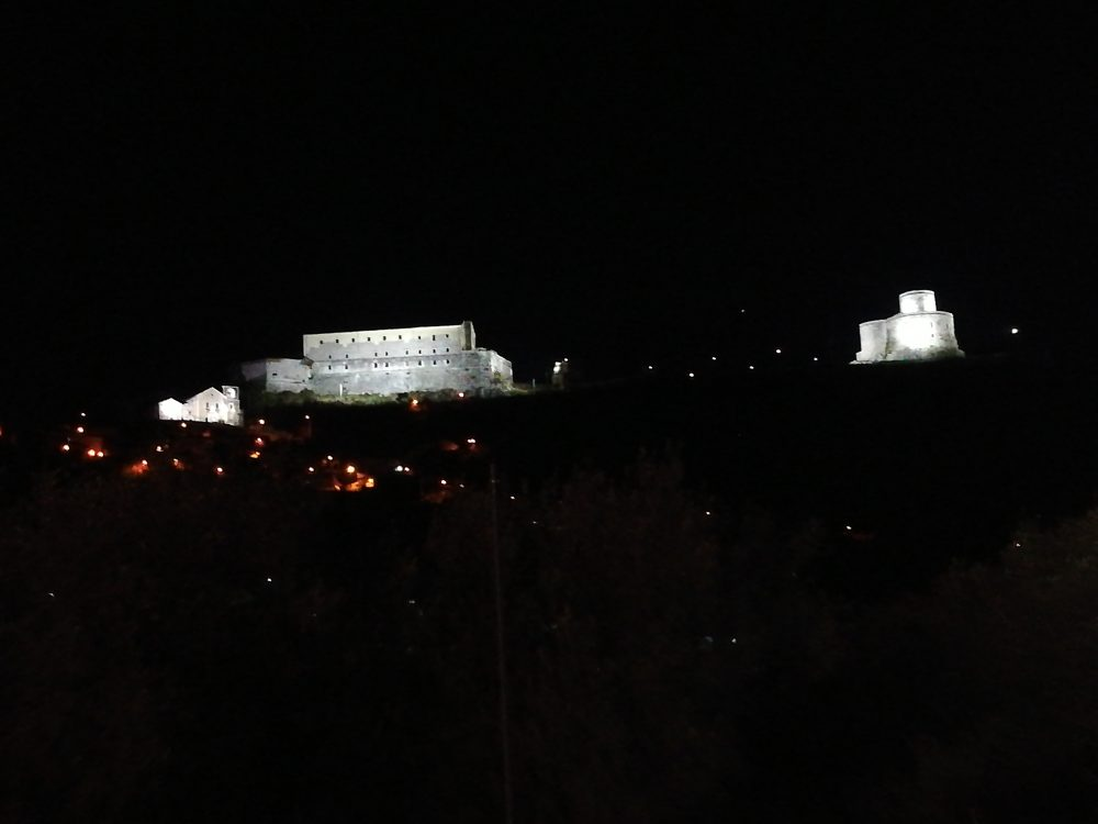 Colle D'Ercole - Uno scorcio di Montesarchio di notte