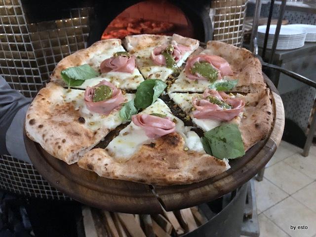Daniele Gourmet Giuseppe maglione Pizza Mortazza
