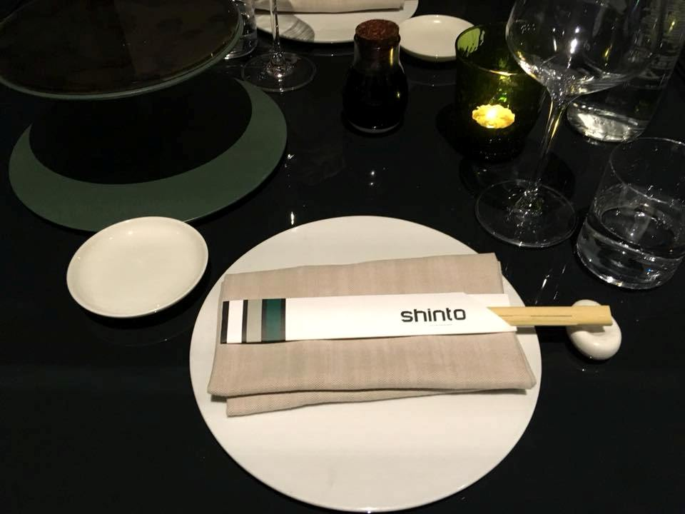 Shinto, La Ligne de Table