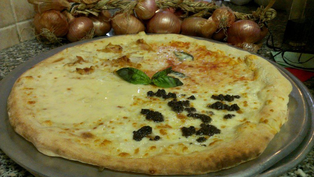 Il Ritrovo dei Golosi – pizza all'Americana con tartufo, guanciale e cipolla alifana