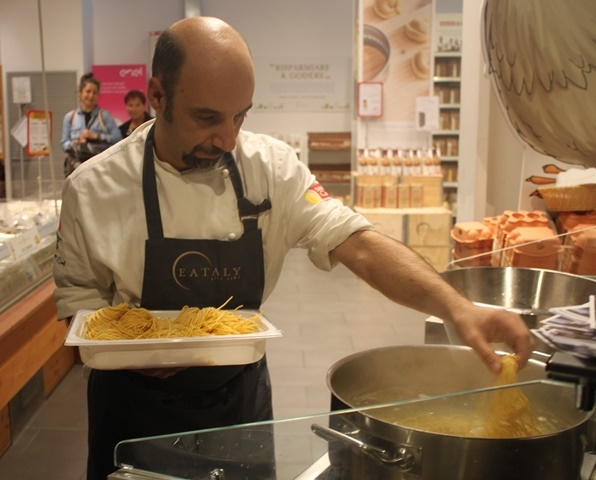 L'executive chef Cotugno di Eataly