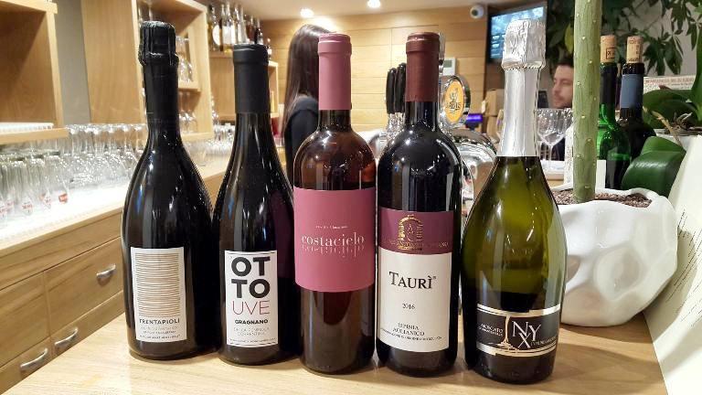 Madia, i vini in degustazione Trentapioli 2016 e Ottouve 2016 di Salvatore Martusciello, Costacielo 2016 di Lunarossa e Nyx dei Vini del Cavaliere