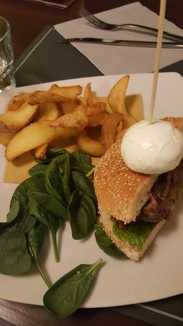Officina Pizza e Burger - Cadillac Burger