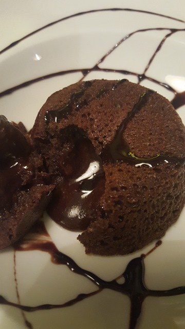 Officina Pizza e Burger - Tortino al cioccolato espresso