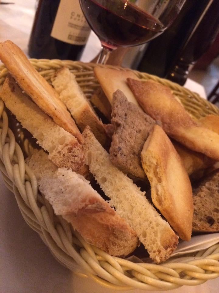 Osteria dei Cavalieri, pane e focaccia