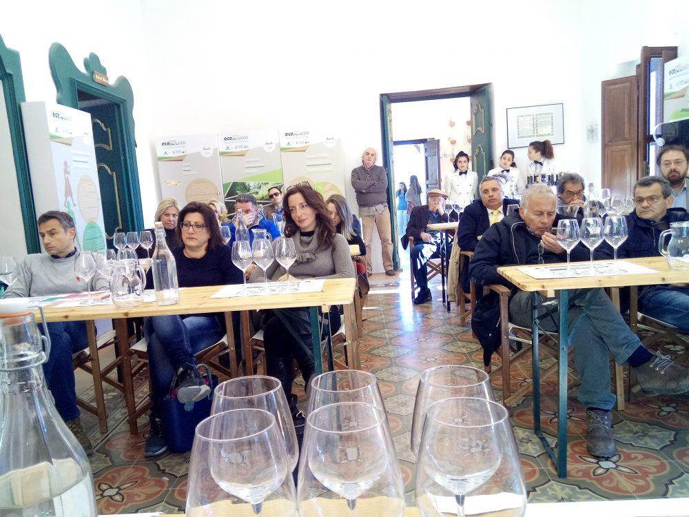 Palazzo Vinciprova a Pioppi -Pubblico presente in sala per la degustazione dell'Aglianicone
