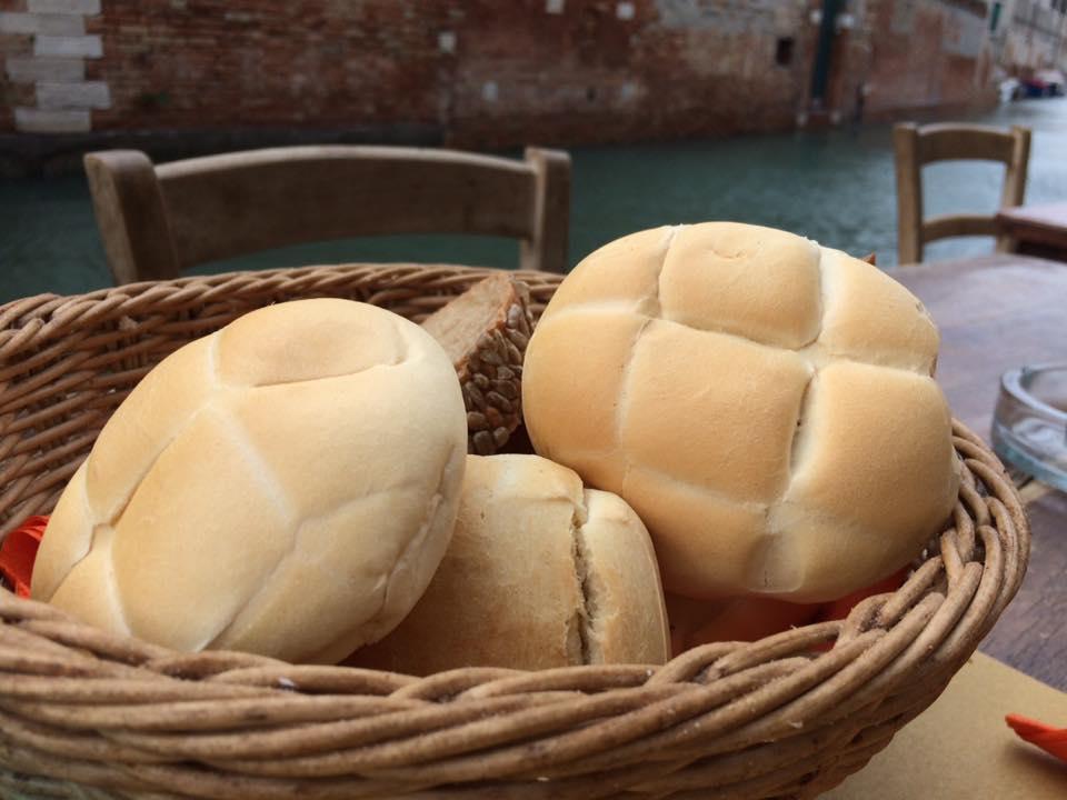 Paradiso Perduto, il pane