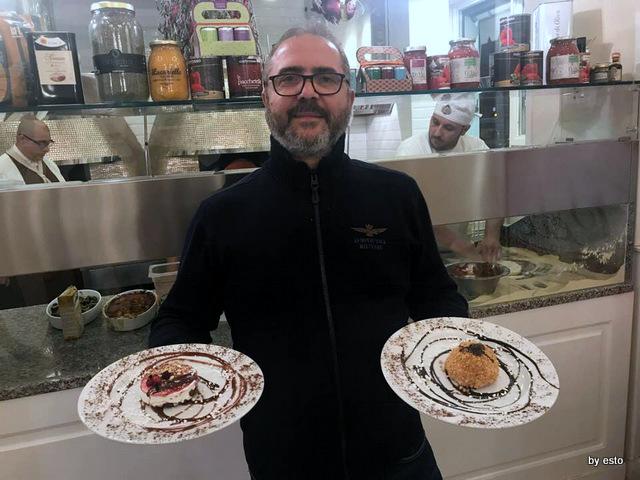 Pizzeria Oro Bianco Espedito Marino con i suoi semifreddi