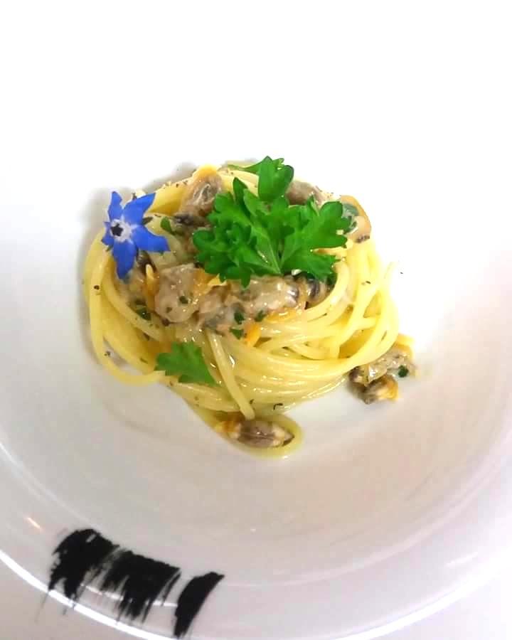 Spaghetti alle vongole, la splendida presentazione del Binario Due