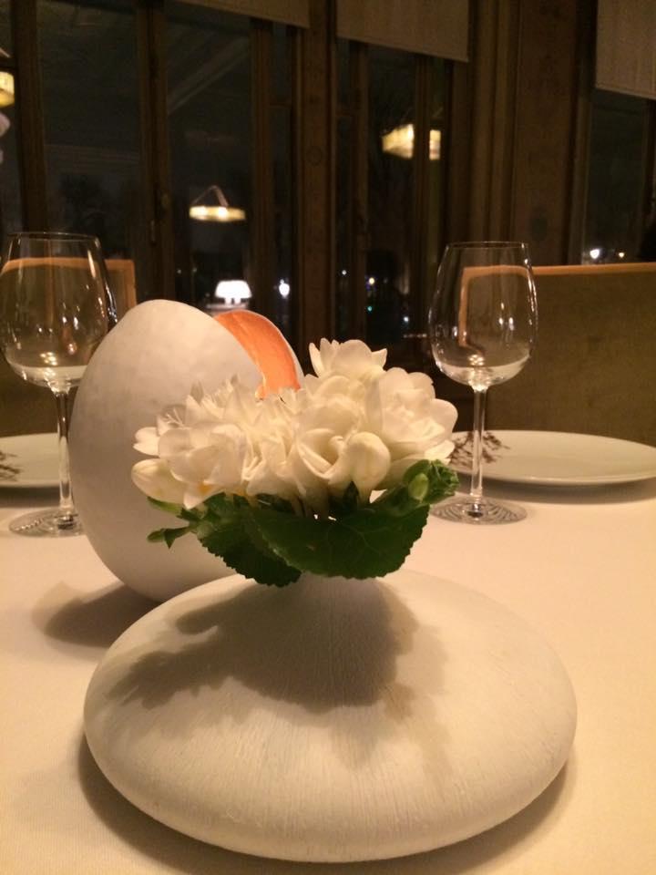 Ledoyen, fiori freschi al tavolo