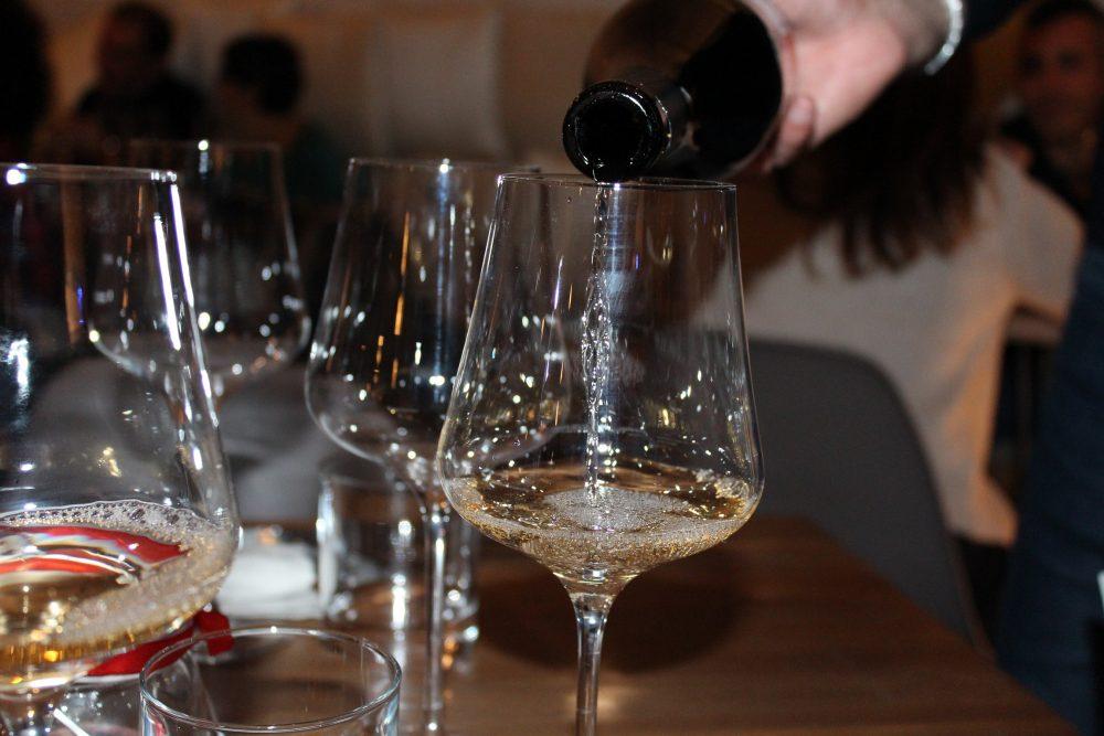 Bistrot26 – uno dei vini bianchi al servizio al Bistrot26