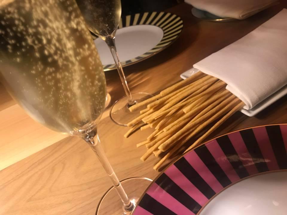 Osteria La Francescana Modena, grissini e champagne