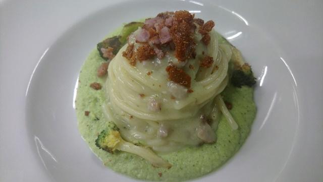 Casale Rufini - Spaghettone, cremoso di broccolo, salsiccia locale, pecorino chiodetti e pane croccante all'olio evo locale