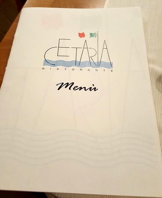 Cetaria, il menu con il logo