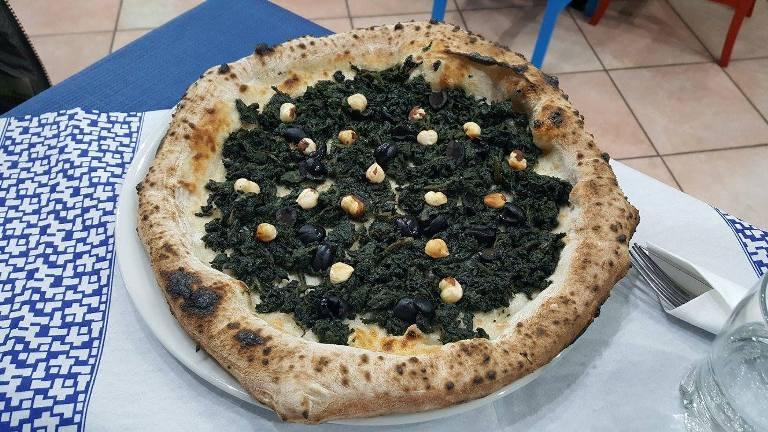 L'Oro di Napoli, la pizza Viale della Repubblica