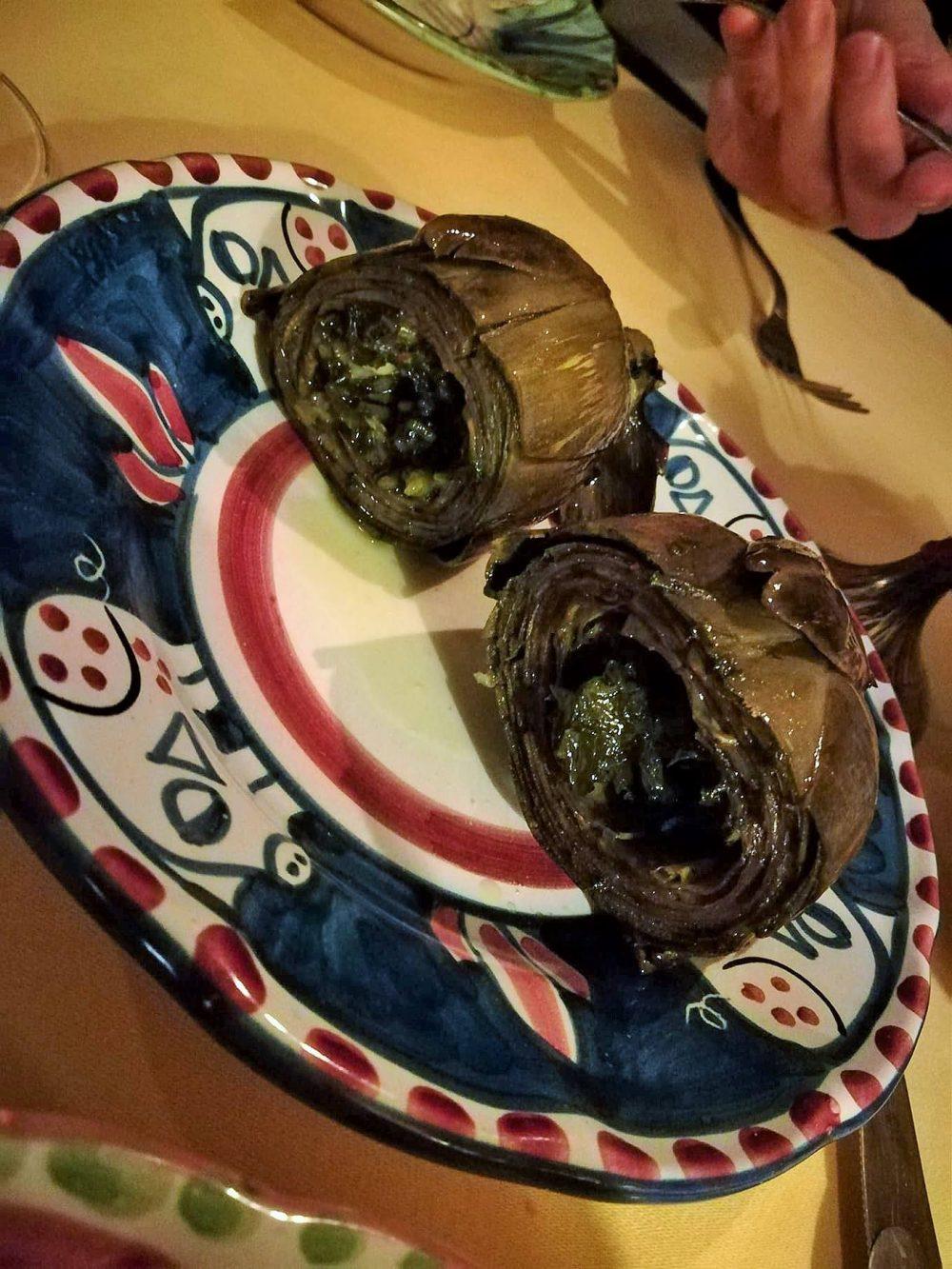 La Vigna di Alberto - I carciofi ripieni di aglio, prezzemolo e peperoncino