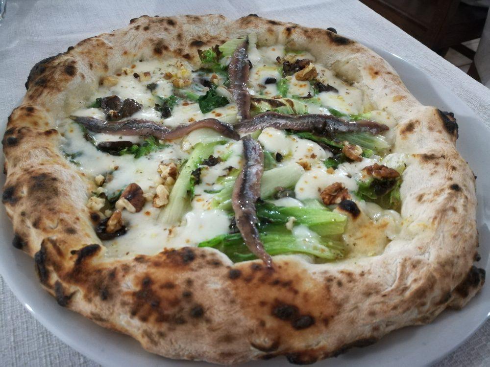 Masseria Gigli - La Pizza con la scarola aperta