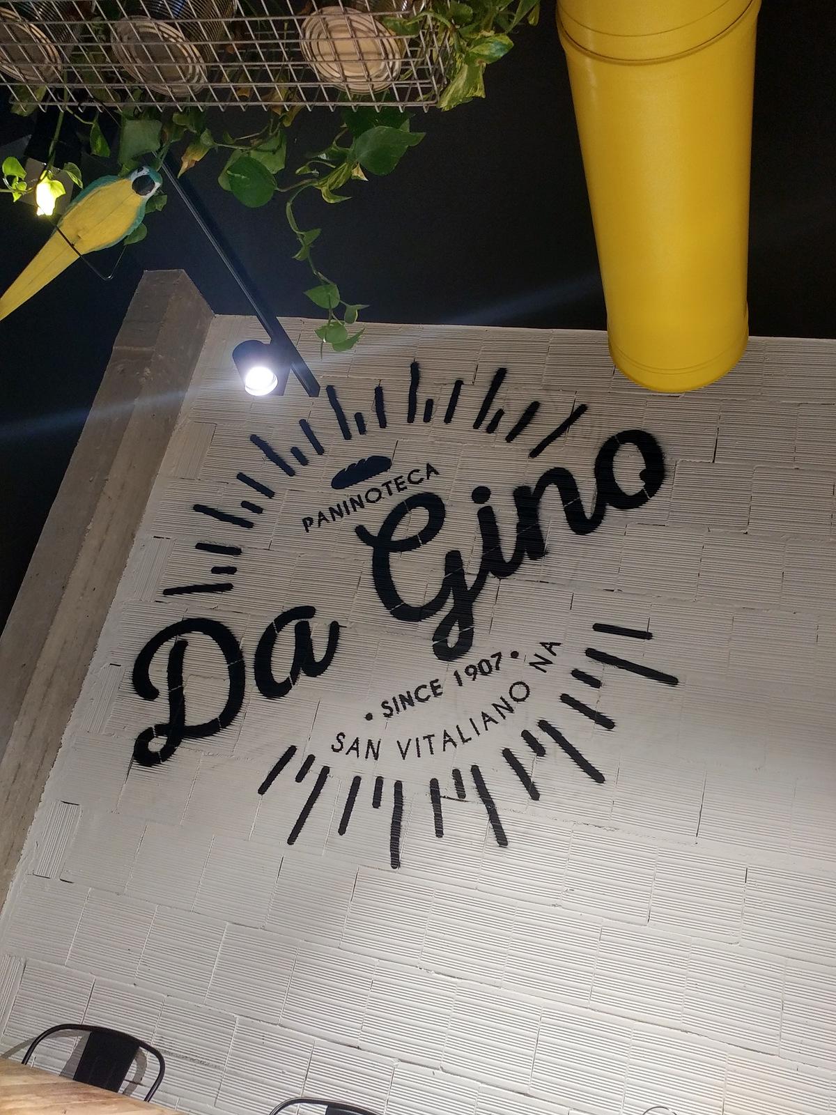 Paninoteca Da Gino a San Vitaliano. Una delle pareti