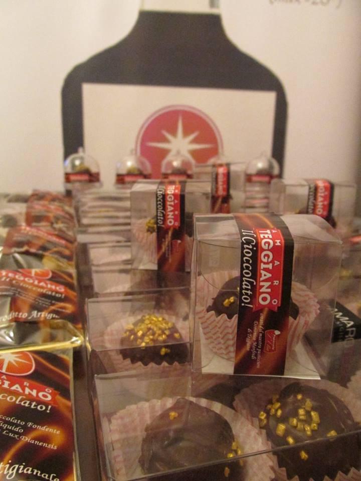 Pasticceria D'Elia - cioccolatino con amaro Teggiano