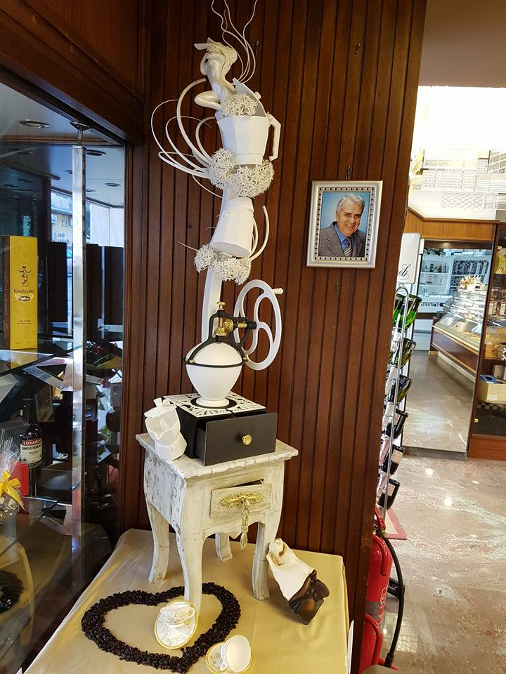 Pasticceria Generoso - nonno e scultura premio mondiale