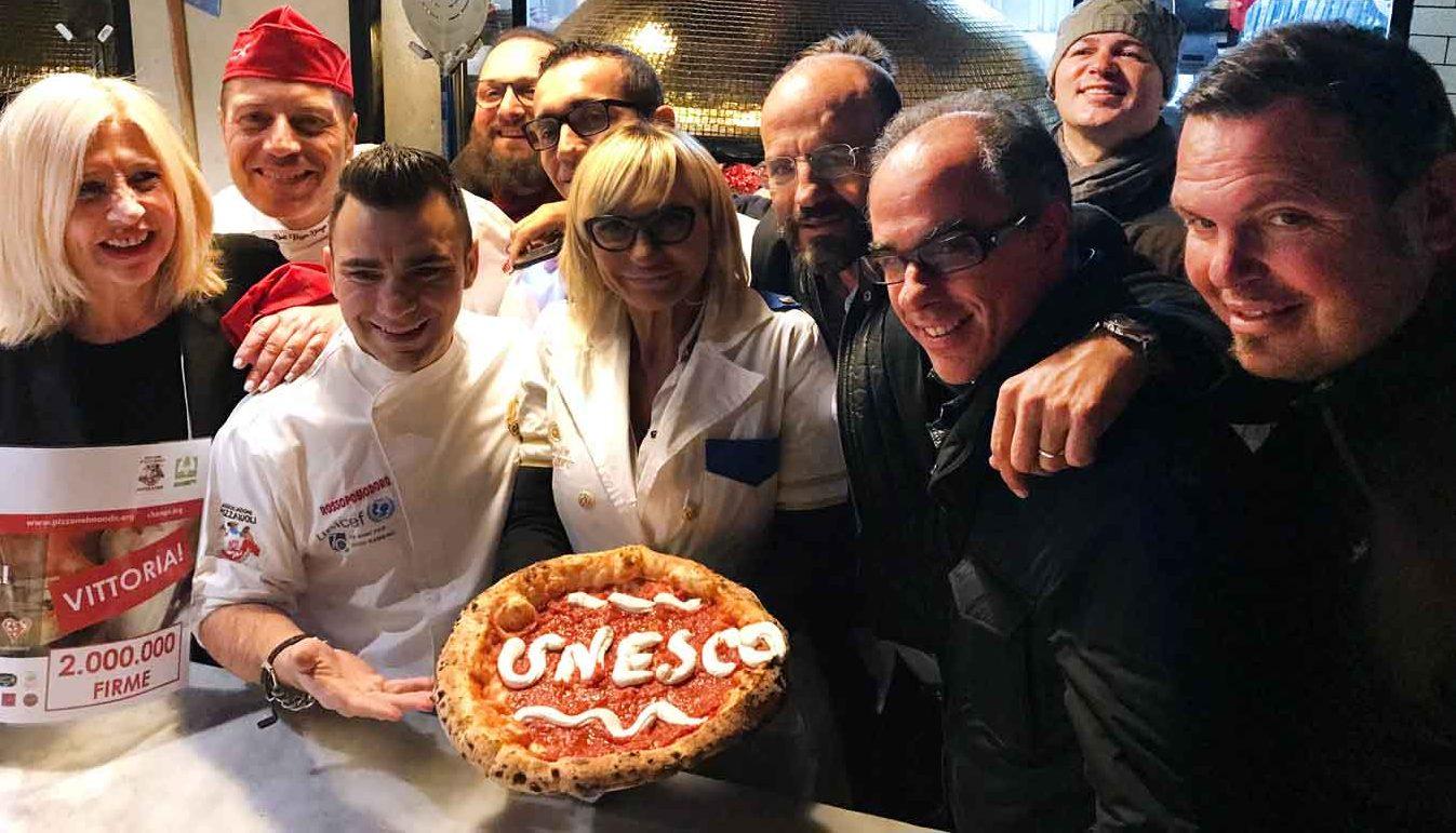 La festa a Rossopomodoro con Davide Civitiello, Franco Manna, Antimo Caputo