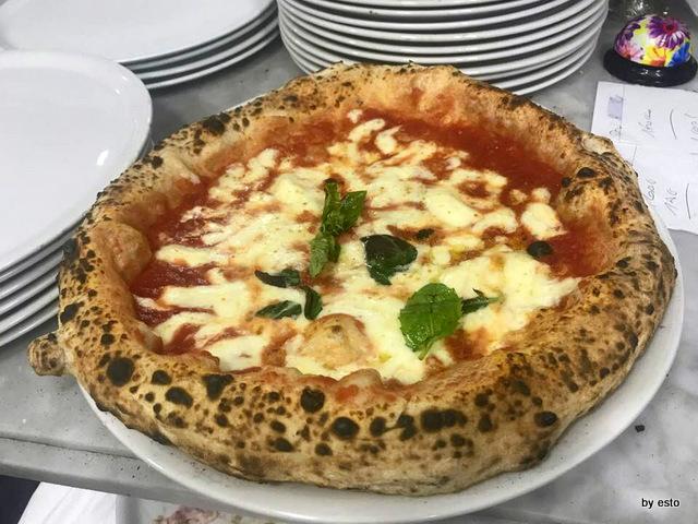 Pizzeria Nonna Ma la Margherita con fiordilatte