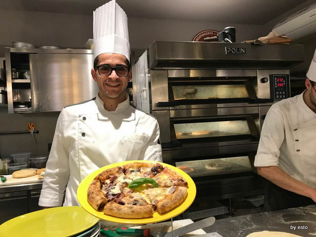 Saporè Dow Town pizza parmigiana